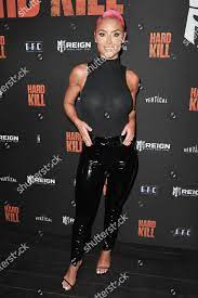 Natalie Eva Marie arrives screening Hard Kill Redaktionelles Stockfoto –  Stockbild