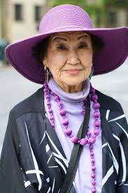 best the color purple book ideas the color advanced style i saw this w downtown and loved her matching necklace and hat she told me that she was an artist and that she loved the color purple