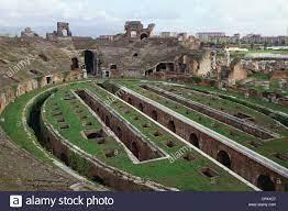 Campania - Santa Maria Capua Vetere (Ce). Roman Amphitheater, -II.  Jahrhundert Stockfotografie - Alamy
