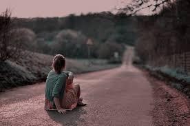 Resultado de imagem para imagens de pessoas tristes e sozinhas