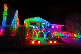Xmas lighting ideas Outdoor Lighting 20 Spectacular Christmas Lighting Ideas That Will Leave You Speechless Living Hours 20 Christmas Lighting Ideas That Will Leave You Speechless Livinghours