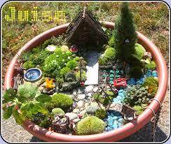 faerie garden. Fairy Garden: A Tour From Keri @ Juise (http://thejuise. Faerie Garden Pinterest