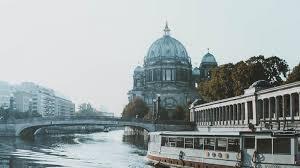 Berlin Daughter Posture Corrector Size Chart Berlin Free Walking Tours Activities Sandemans New Europe