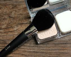 dior backse light coverage powder brush