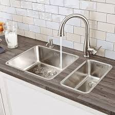 How To Choose A Kitchen Faucet Parkfield Single Handle Pull Down Kitchen Faucet Amazoncom