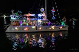 Boaters Deck The Hulls For Santa Barbaras 32nd Annual