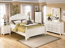 cottage style bedroom furniture. Cottage Style Bedroom With White Cream To Go Furniture, King Size Bed, Furniture