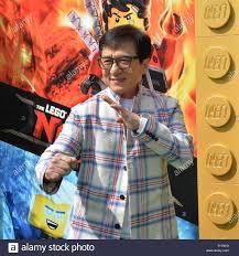 Warf Mitglied Jackie Chan, die Stimme der Meister Wu, Wu, in der Komödie