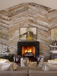 diagonal wood plank accent wall to highlight the fireplace