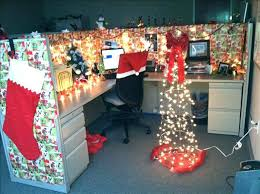 Office christmas decoration ideas themes Cube Office Christmas Decorating Related Pinterest Office Christmas Decorating Desk Decoration Ideas Best Ideas About