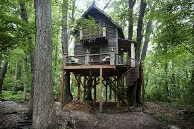 Tree House Photos Tricked Out Treehouse Is Ultimate Man Cave For Minnesota Magician
