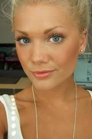 this is how makeup should be worn simple almost like your not wearing any