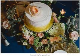 Turn Wedding Cakes Into Fabulous Flower Cake Tables