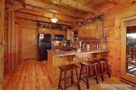 Great Scenic 3 Bedroom Luxury Log Cabin Vacation Mountain Getaway | Logged Out