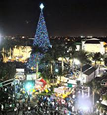 ... Christmas tree lights the night The scene Thursday night at Old School  Square as thousands jammed the area to witness the. DELRAY BEACH ...