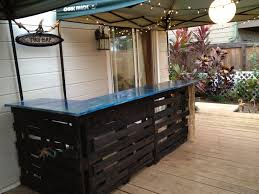 Building Tiki Bar Out Wood Pallets Follow High Line Home