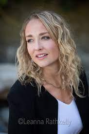 Jenna Hickman portrait | Leanna Rathkelly, Photographer in Victoria, BC