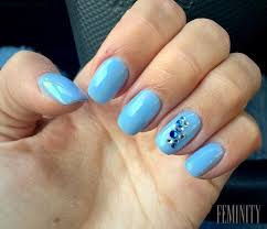 Modré Nehty Jsou Hitem Tohoto Jara Trendy Manikúra Hraje Baby Blue