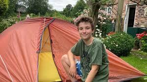Braunton boy sleeping outside invites children on 'big camp-out' - BBC News