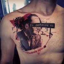 Dámské Tetování Na Hrudník