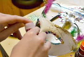 Decorating A Mask decorated masquerade mask you can make in minutes 2
