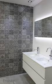 Badezimmer Grau Gefliest Weiße Fliesen Badezimmer Küche Fliesen