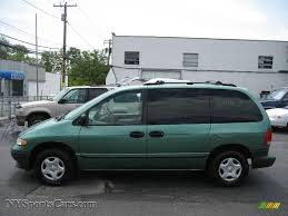 1999 Dodge Caravan in Alpine Green Pearlcoat photo #3 - 178127 ...