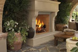 the valiant s tall opening and flush to the floor platform are welcome features to any familiar with real site built masonry fireplaces