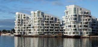 Blokowisko nad wodą - Sztuka architektury