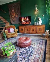 Green Wall Living Room Vintage Eclectic Interior Interieur