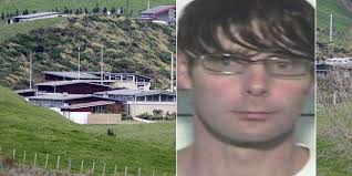 Killer Phillip Smith has 'fled NZ on fake passport' | Morning Bulletin