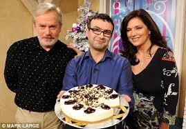 tv qvc. tv dinner: writer vince graaf with qvc presenter julia roberts and guest chef glynn christian tv qvc