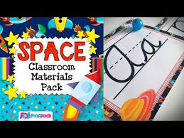 19 BackToSchool Classroom Ideas That Will Knock Your Students Classroom Theme Decor