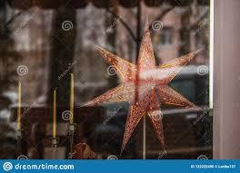 Weihnachtsstern Ist Im Fenster Stockfoto Bild Von