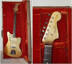 vintage guitars info fender custom color finishes on vintage this gold jazzmaster also identifies another thing about custom color models pickguard color the jazzmaster 1959 and later jaquar and jazz bass all