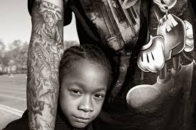 photographer essay video photo essay photographer kiripi katembo  photo essay interview photographer interview zun lee neo griot from the series father figure by zun
