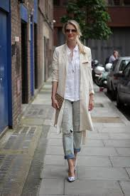 light trench coats street style 5