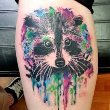 татуировка енота на голени девушки фото рисунки эскизы