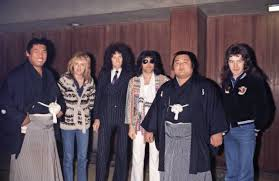 Pin by Ava Fitzgerald on Queen +John Deacon in 2020 | Queen pictures, Queen  band, Freddie mercury