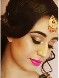 join the expert makeup lessons courses cles from the best makeup in toronto learn easy methods and techniques to apply makeup