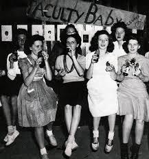 Vintage Party Women