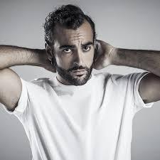 He is the eldest brother of the trio. Marco Mengoni E Tornato Il 30 Novembre Il Nuovo Album