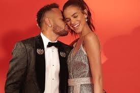 Neymar Jr. abre o jogo e se pronuncia sobre fotos com Bruna Marquezine -  Márcia Piovesan