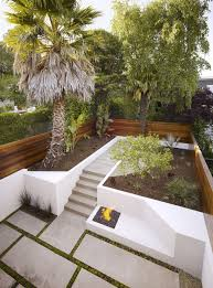 Stucco Retaining Wall Design White Stucco Concrete Retaining Wall Backyard Garden Ideas