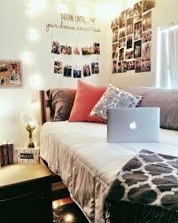College Wall Decor Ideas