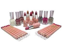 stan box review s this 24 lakme makeup kit includes 6 lakme 9to5 lipsticks 6 lakme nail