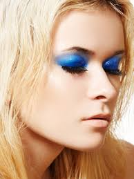 blue eyeshadow image