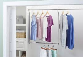closet with a double hanging rod