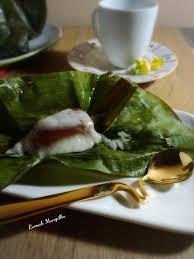Masalahnya, pembuatan kue keranjang dengan daun pisang lebih rumit. Pais Kue Keranjang Rumah Mungil Ku