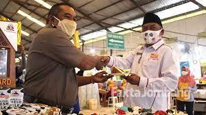 Perusahaan ini sebelumnya dimiliki keluarga sampoerna. Raih Gold Award Mps Perak Jombang Rayakan 22 Tahun Sebagai Mitra Pt Hm Sampoerna Fakta Jombang